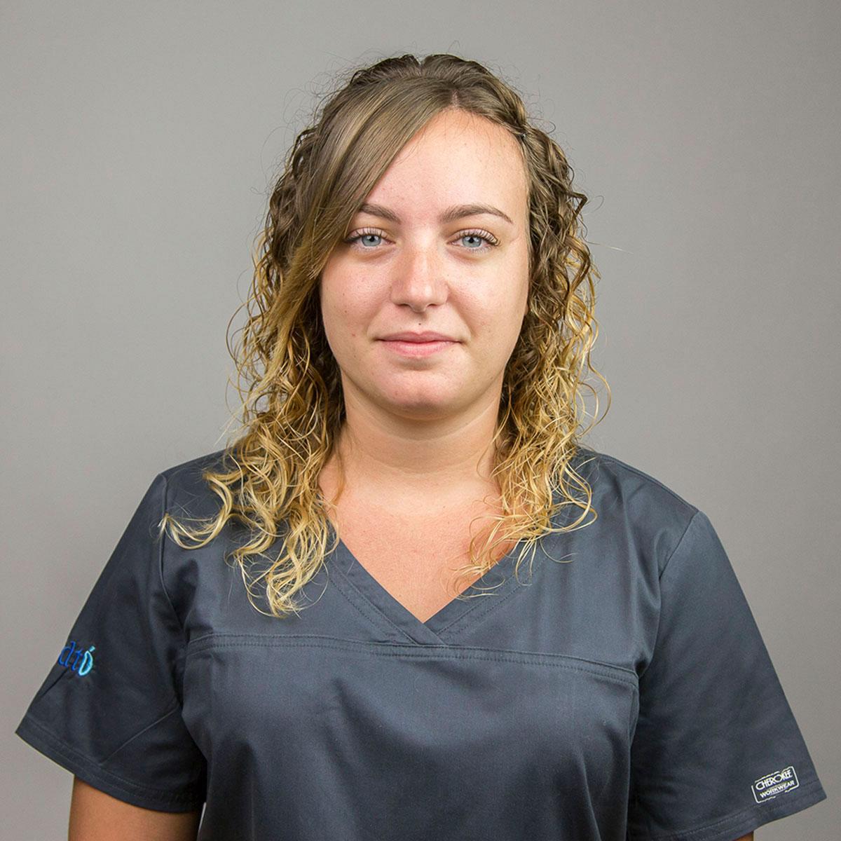 IVET RODRIGUEZ - Higienista dental - Auxiliar dental